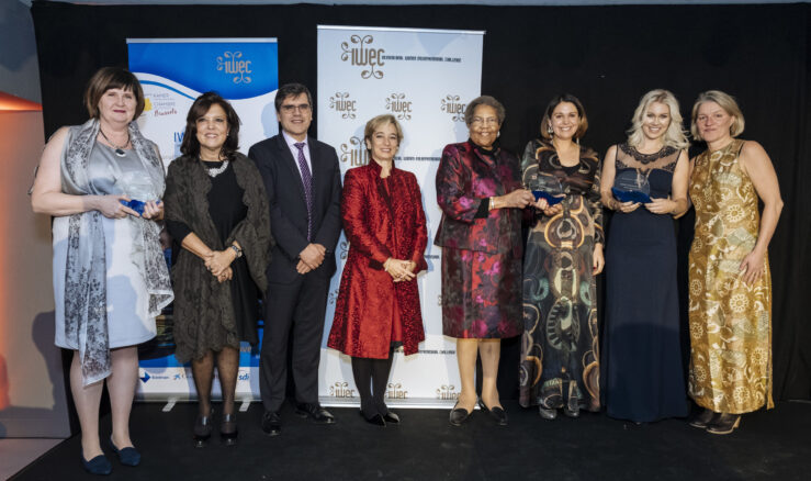 2016 in Brussels: Britt Marie Stegs, Hälsingestintan and Isabelle Löwengrip and Pingis Hadenius, Löwengrip Care and Color together IWEC's chair Ruth Davis, sponsors and Charlotte Kalin, Make Trade.